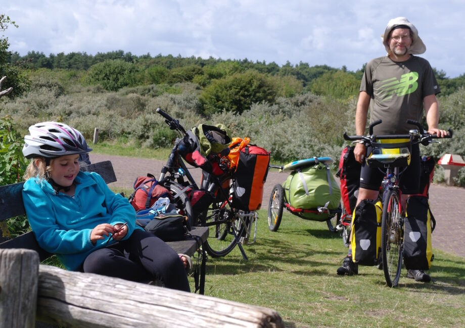 A pause on the dune path